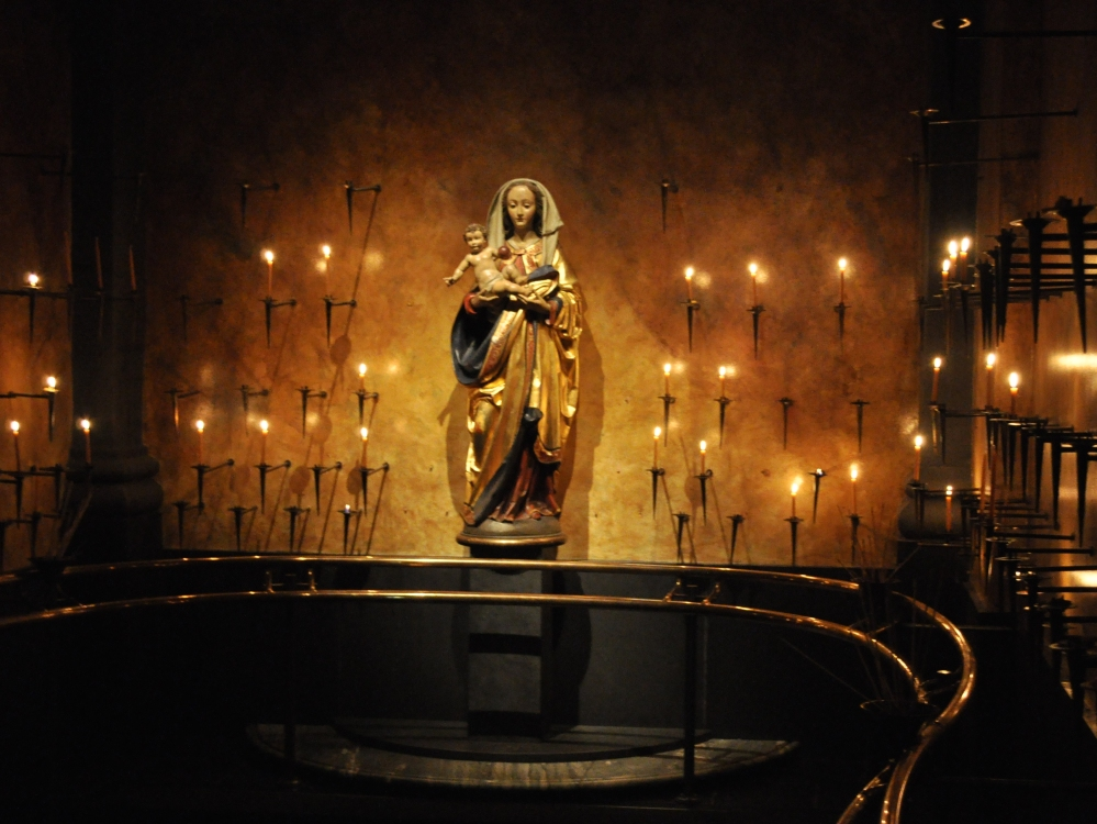 Seattle_-_Saint_James_-_Shrine_of_the_BVM_02A.jpg
